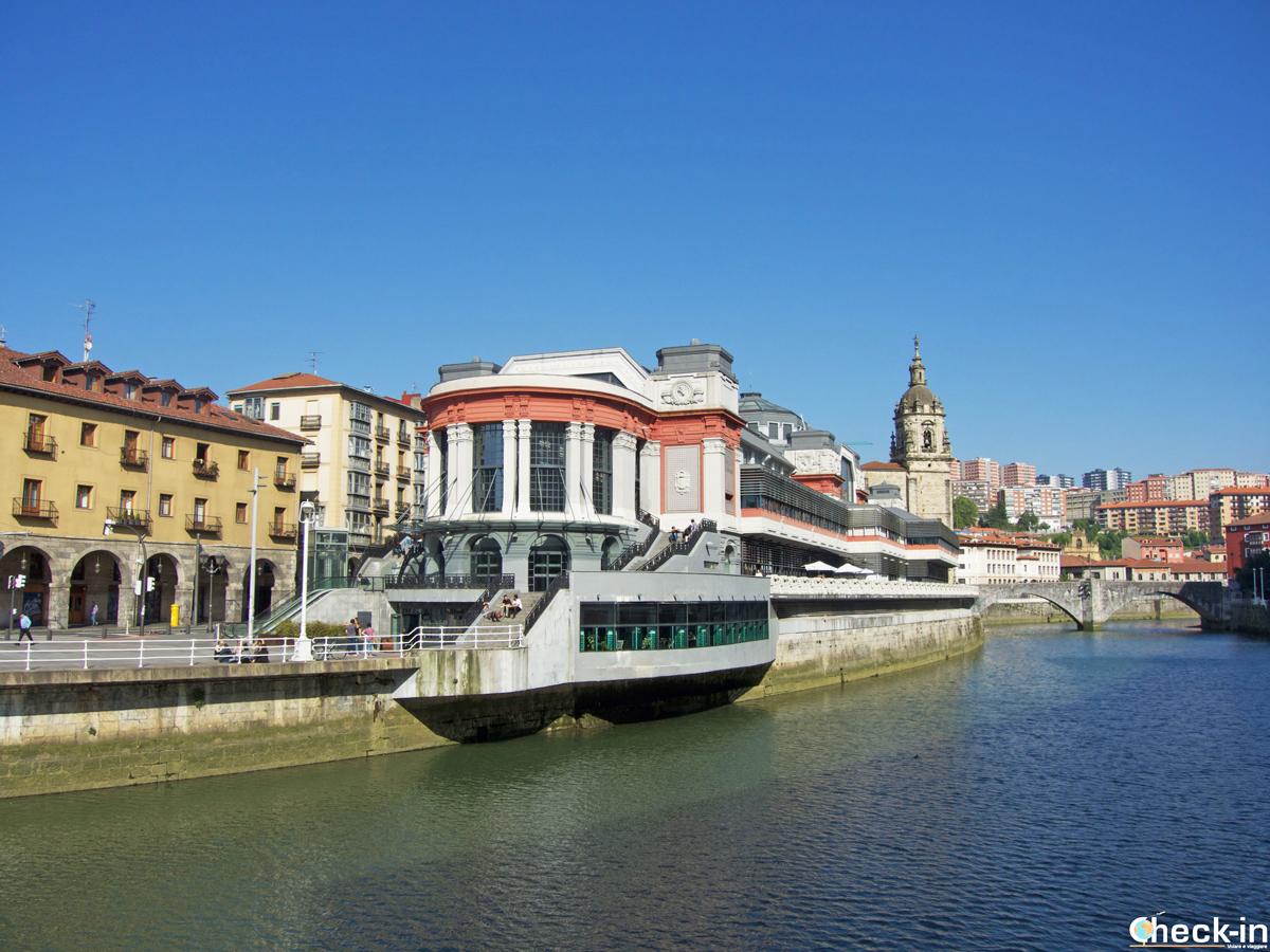 Scorcio dell'Ensanche di Bilbao e del Mercado de la Ribera