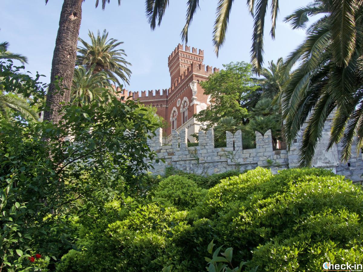 Castello d'Albertis visto dal parco circostante
