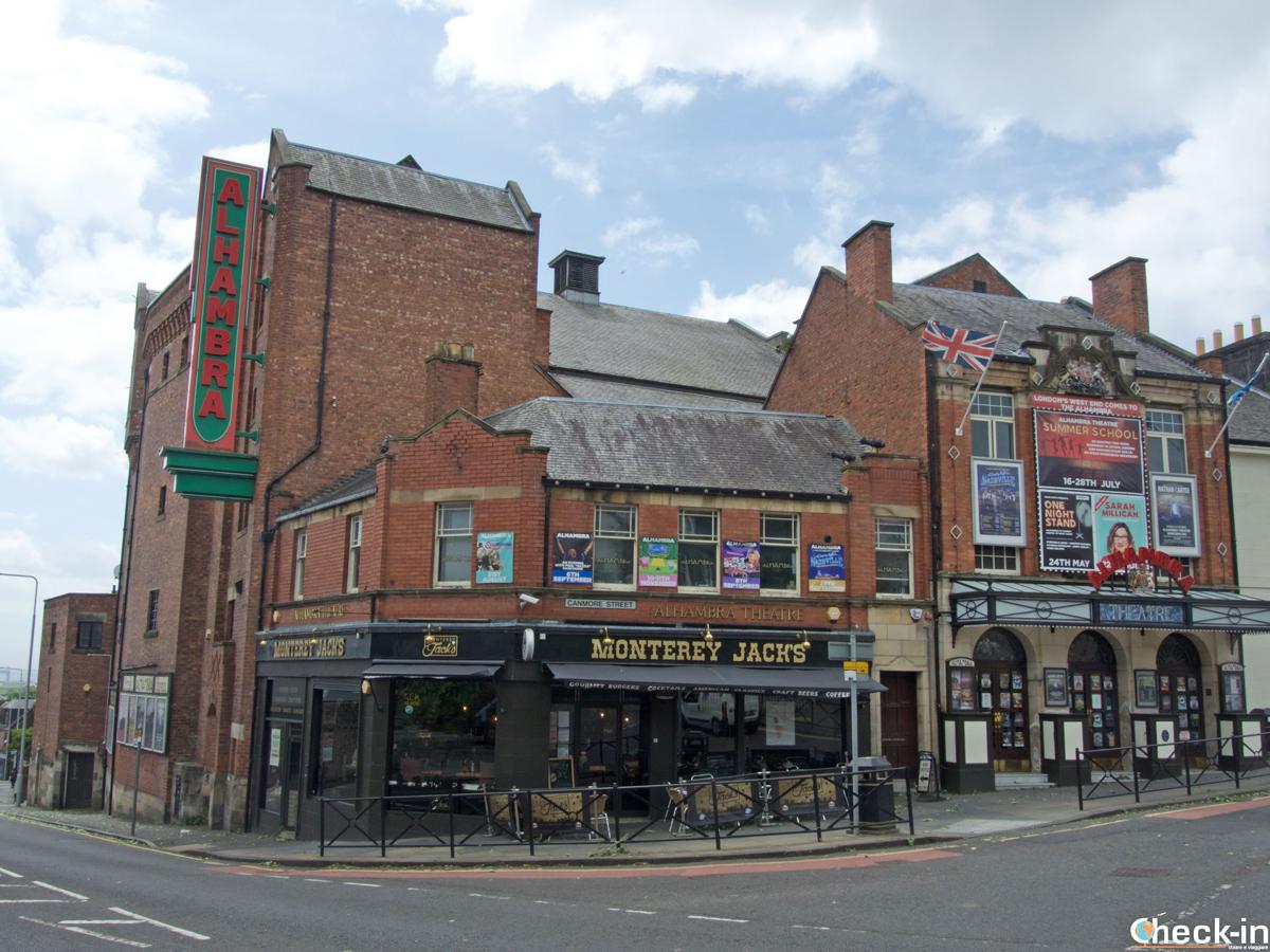 L'Alhambra Theatre nel centro di Dunfermline (Scozia)