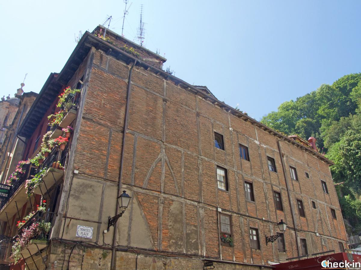 Uno degli edifici originali del centro storico di San Sebastián