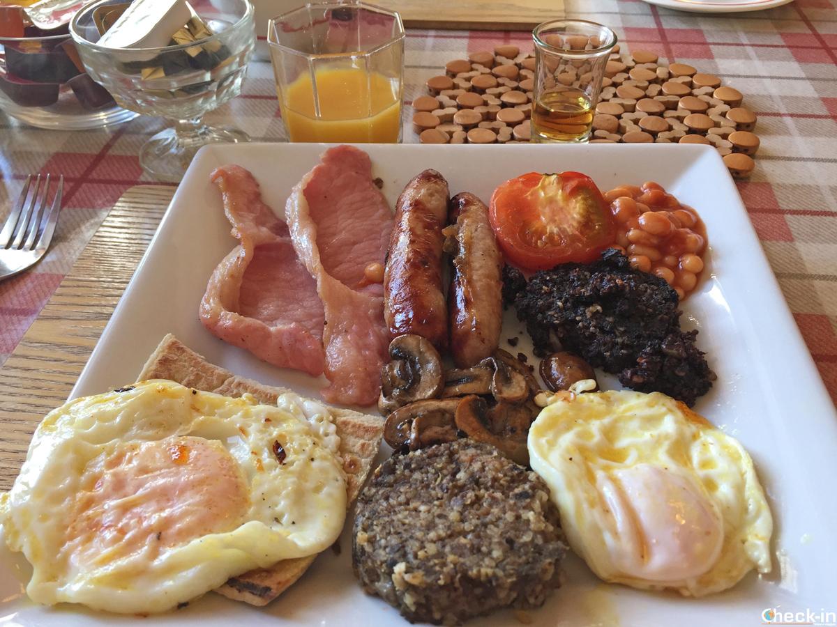 Colazione scozzese alla Forth Bay Guest House di Leven, Fife (Scozia)