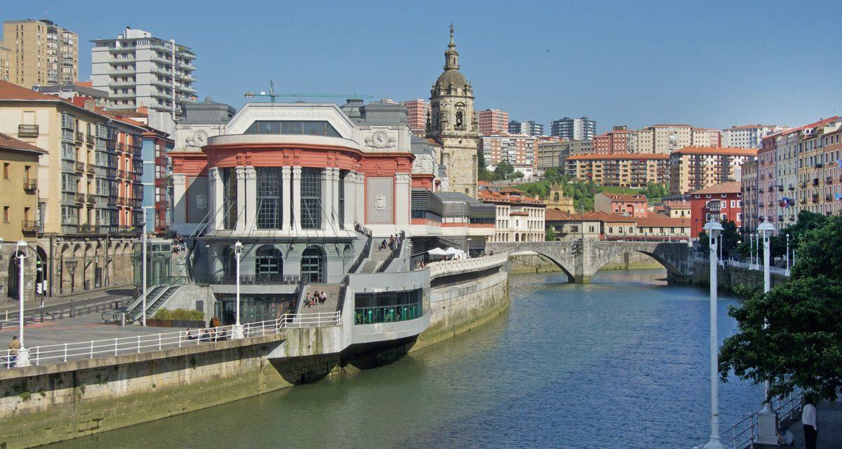 Bilbao, cosa vedere in due giorni tra architettura contemporanea (incluso il Guggenheim Museum) e quartieri storici
