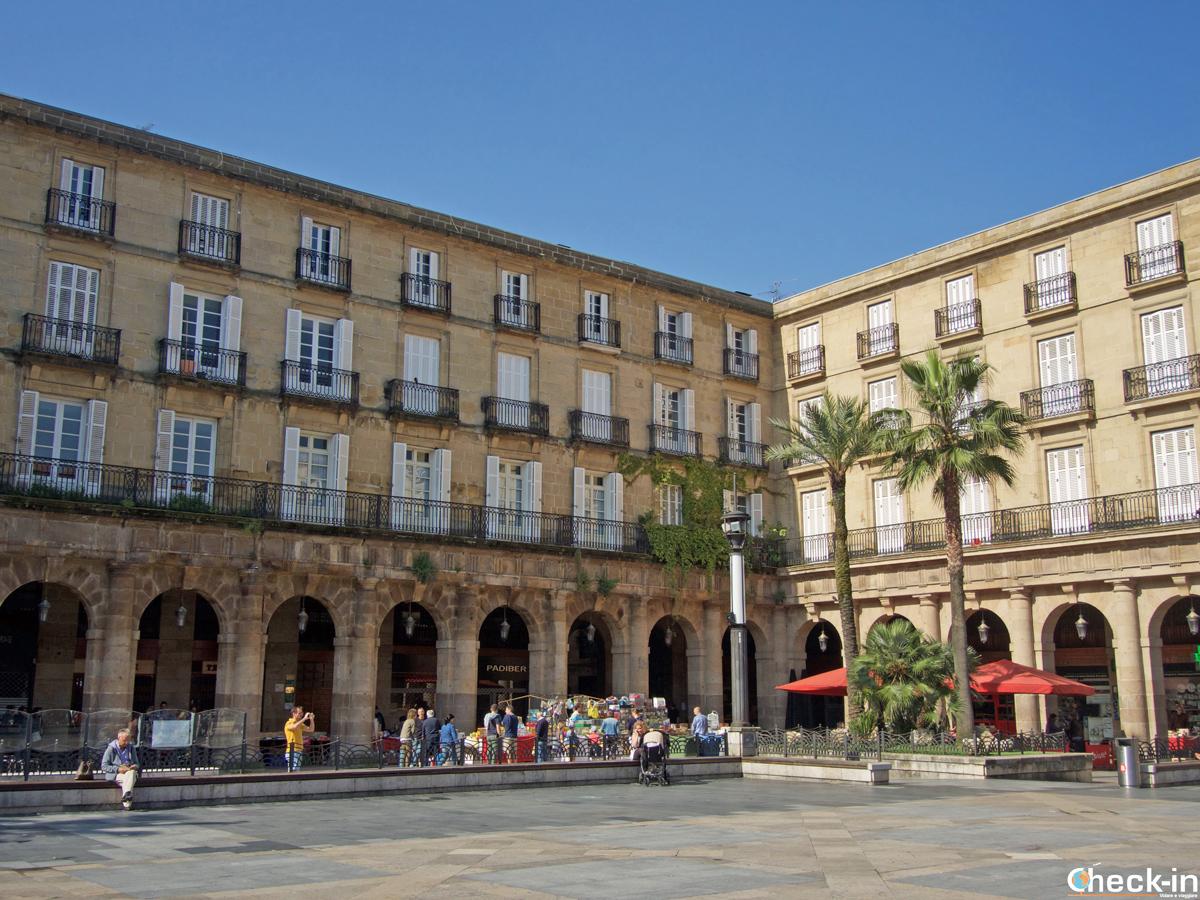 La Plaza Nueva del centro storico di Bilbao (Spagna)
