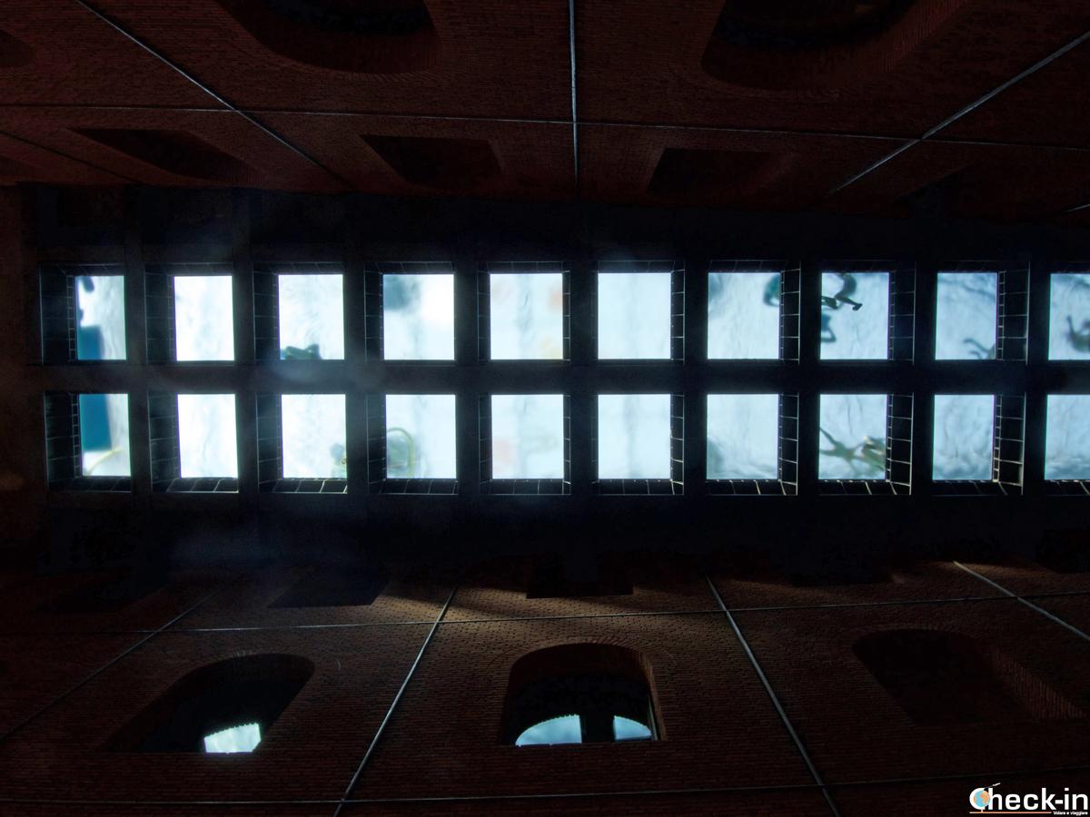 La piscina sul tetto dell'Alhóndiga di Bilbao