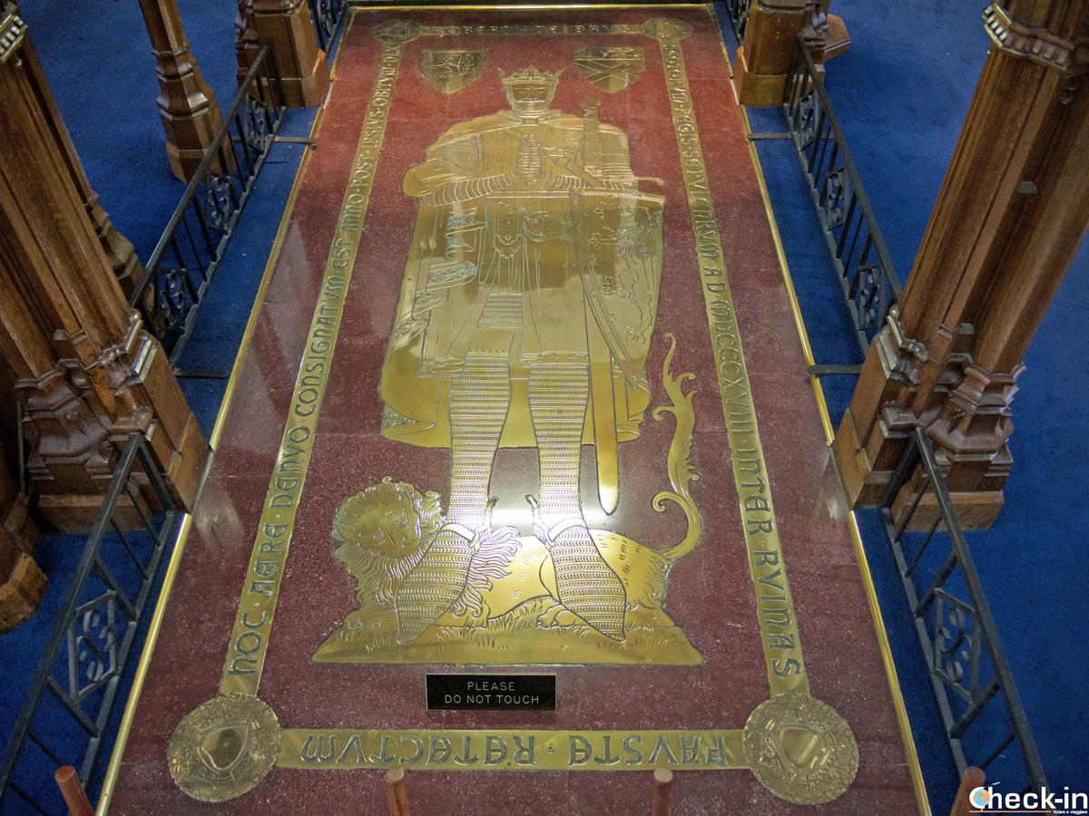 La tomba di Re Robert The Bruce nella chiesa parrocchiale di Dunfermline