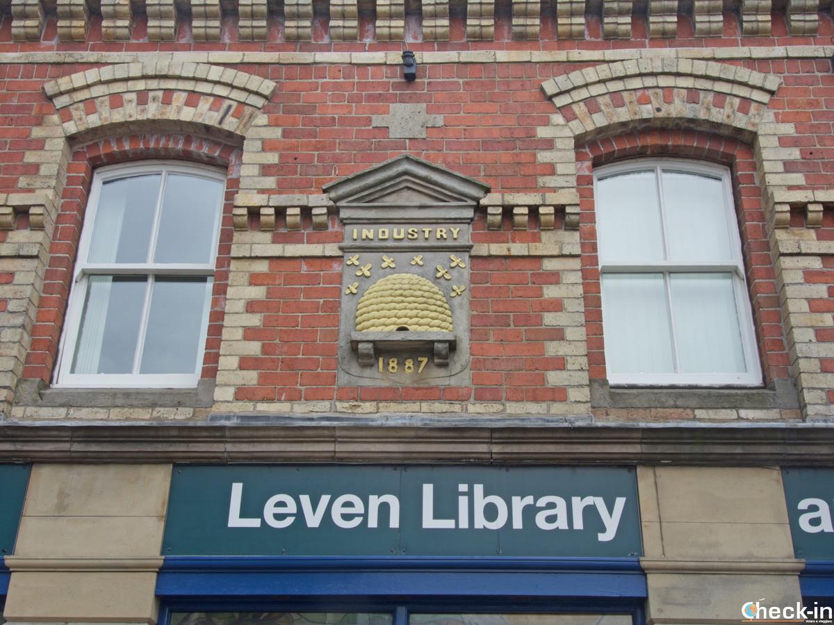 Dettaglio della biblioteca di Leven (Scozia)