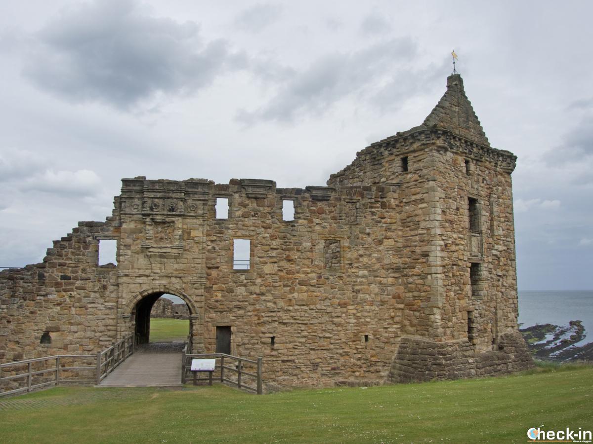 Visita del Castello di St Andrews, Scozia