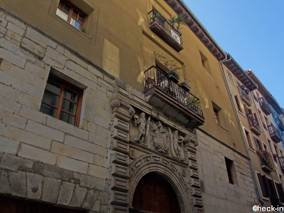 Fachada del Palacio de Arana en Bilbao