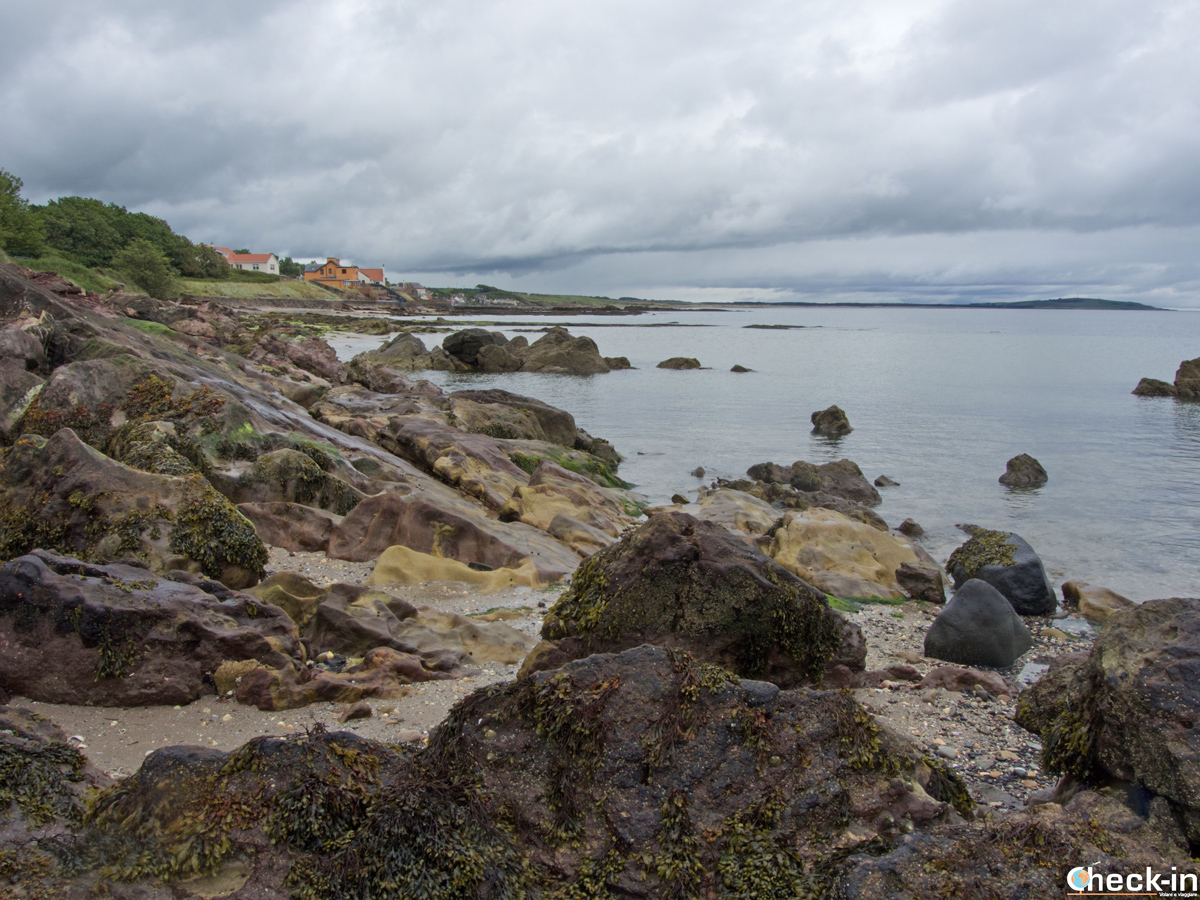 Il Fife Coastal Path nei pressi di Lower Largo (Scozia)