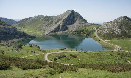 Parco Nazionale dei Picos de Europa, escursione coi mezzi pubblici da Oviedo ai laghi di Covadonga