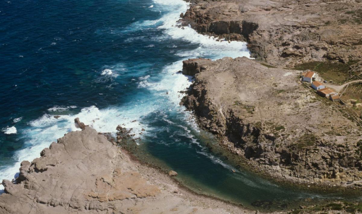 Spiaggia di Cala Lunga su Isola San Pietro in Sardegna