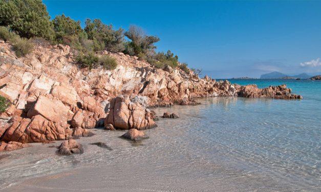 Sardegna on the road: ecco le migliori mete per un viaggio su due o quattro ruote