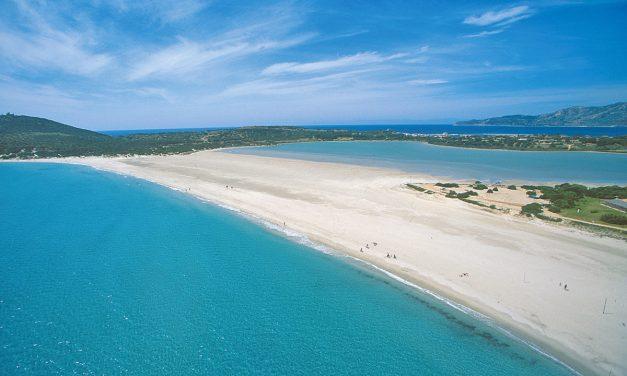 Vacanza in Sardegna, i 6 luoghi da non perdere (anche fuori stagione)