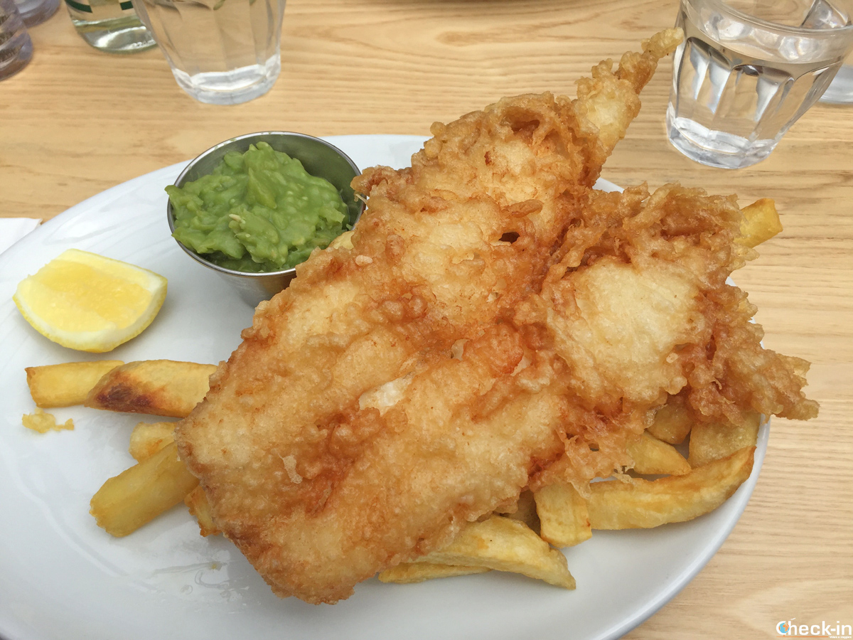 The fish & chips eaten at The Tailend in St Andrews (Scotland)