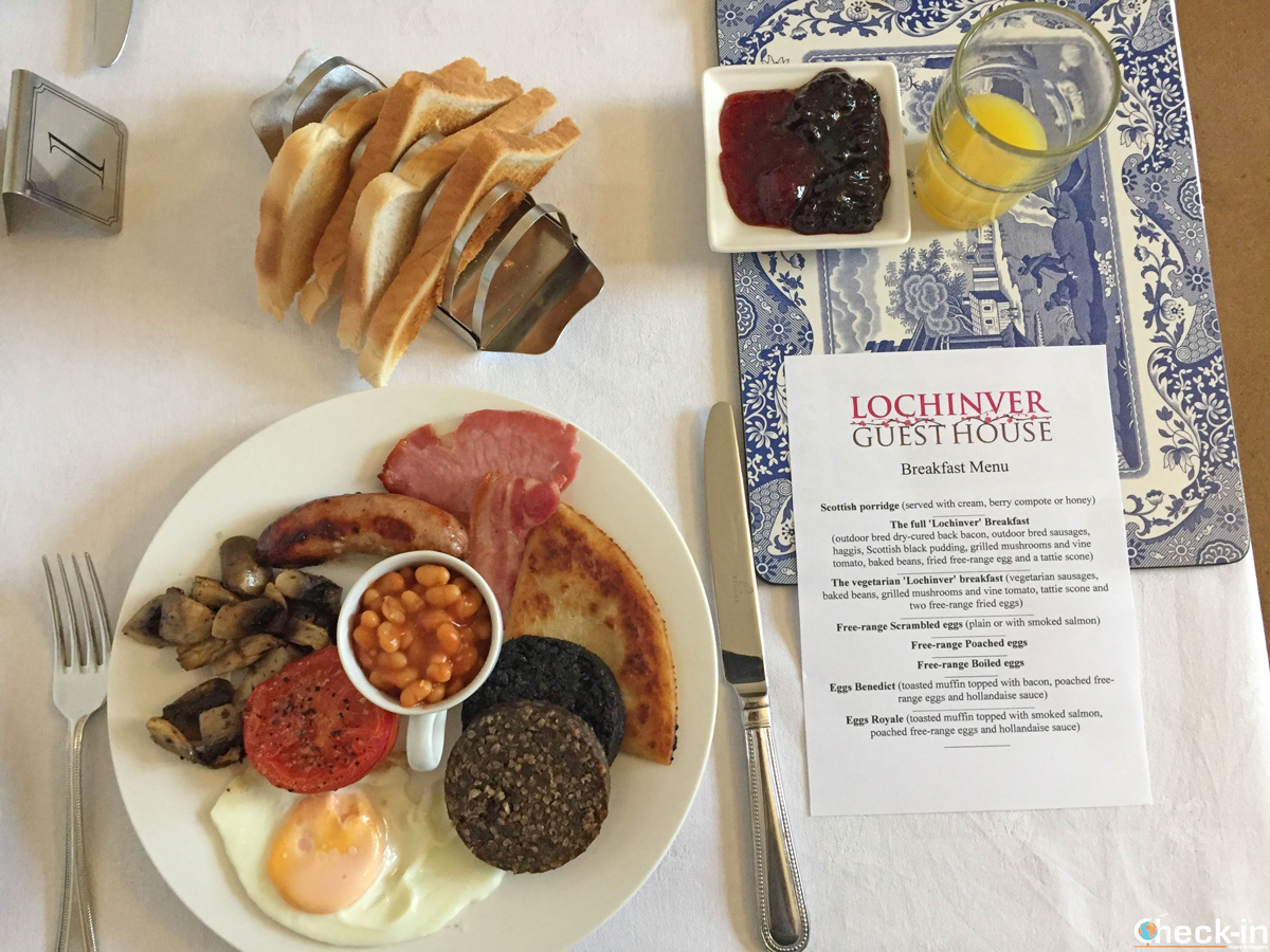 Full Scottish breakfast al B&B Lochinver Guest House ad Ayr (Scozia)