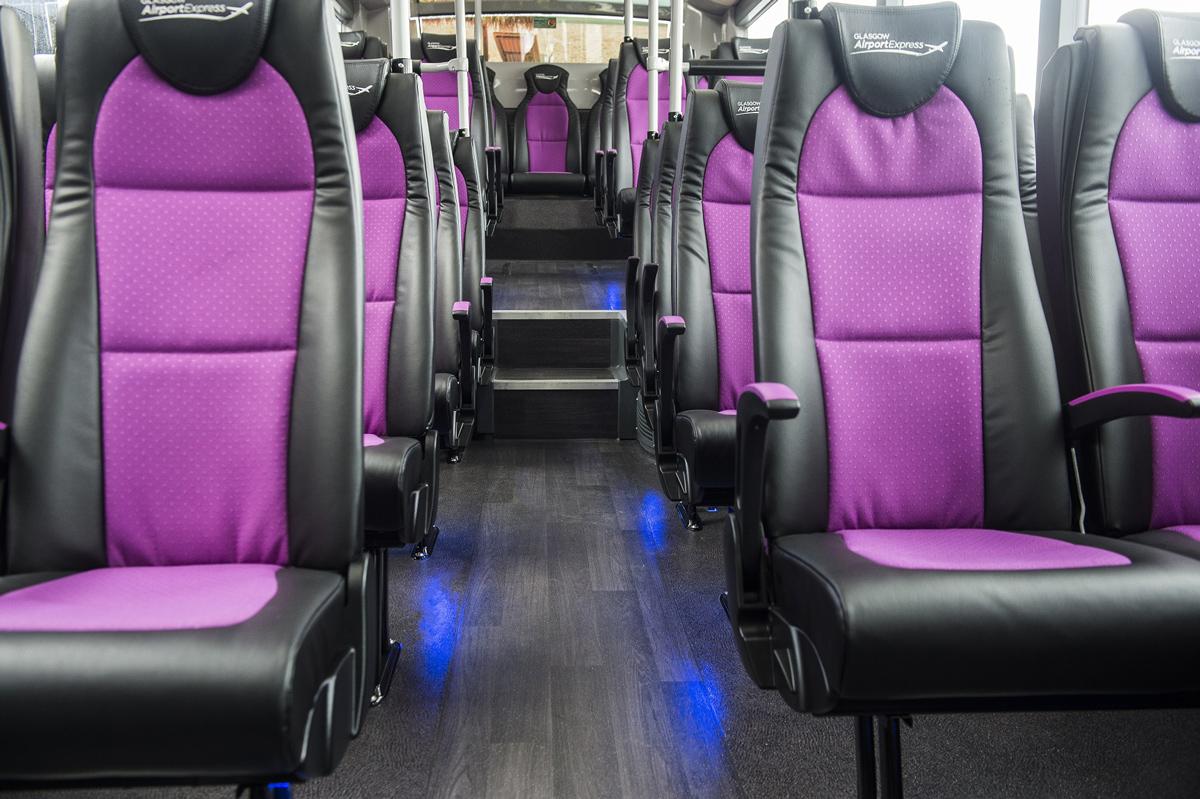 I sedili dell'autobus che collega l'aeroporto al centro di Glasgow