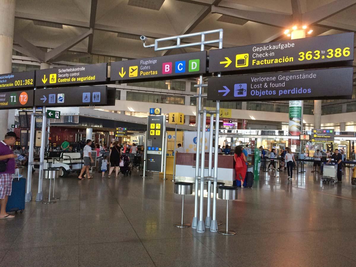 Preparare il bagaglio a mano i prodotti consentiti e - Cosa si puo portare nel bagaglio a mano ...