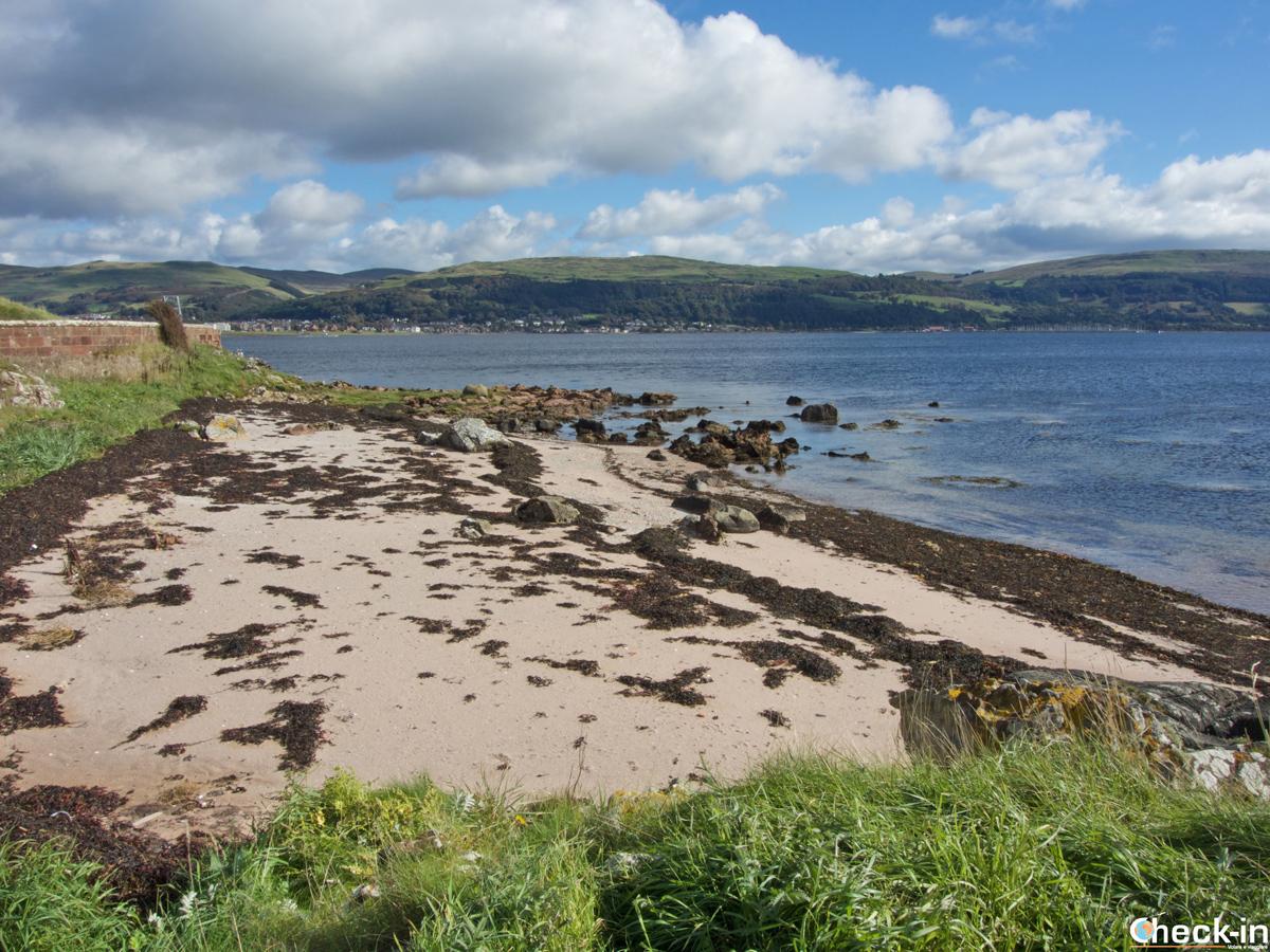 Spiaggia sull'isola di Great Cumbrae (Scozia)