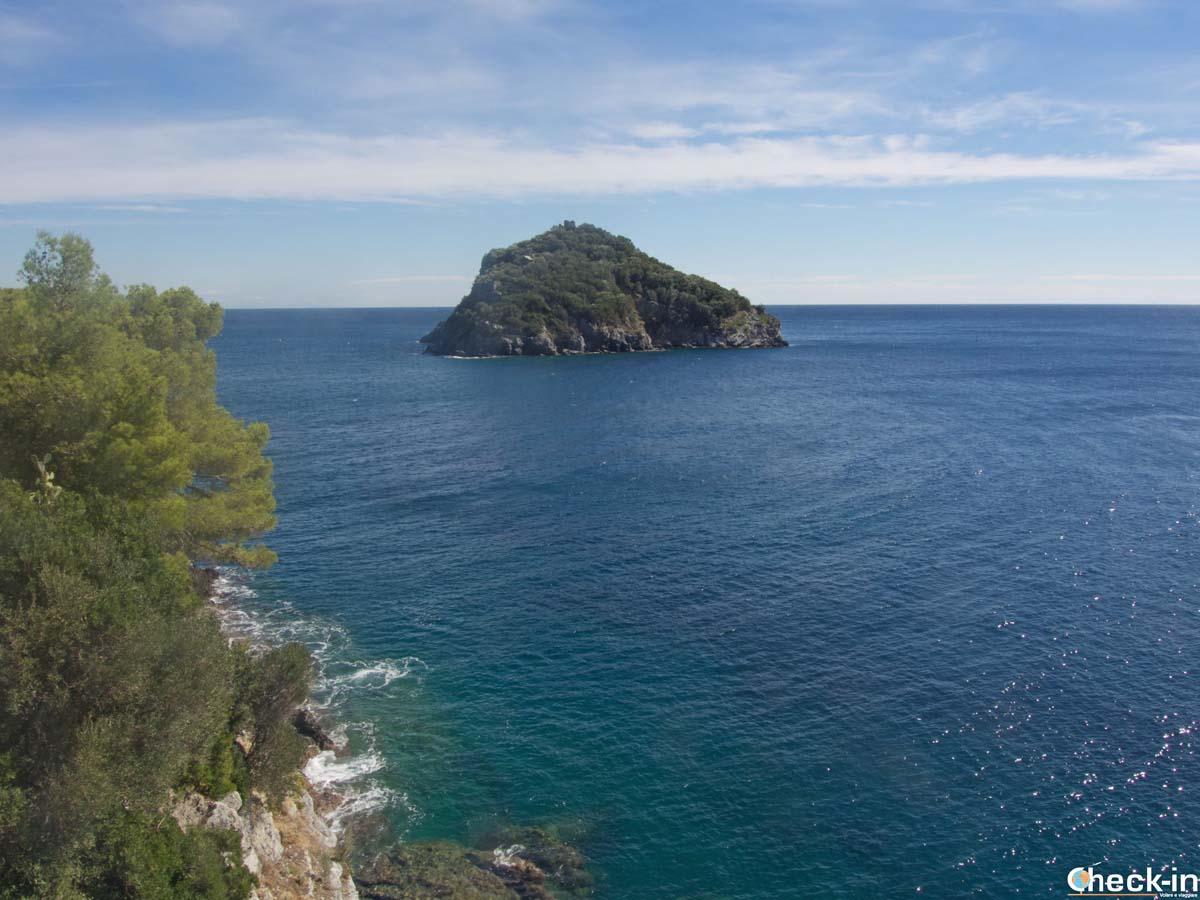 L'isola di Bergeggi all'interno della Riserva Naturale Regionale ligure