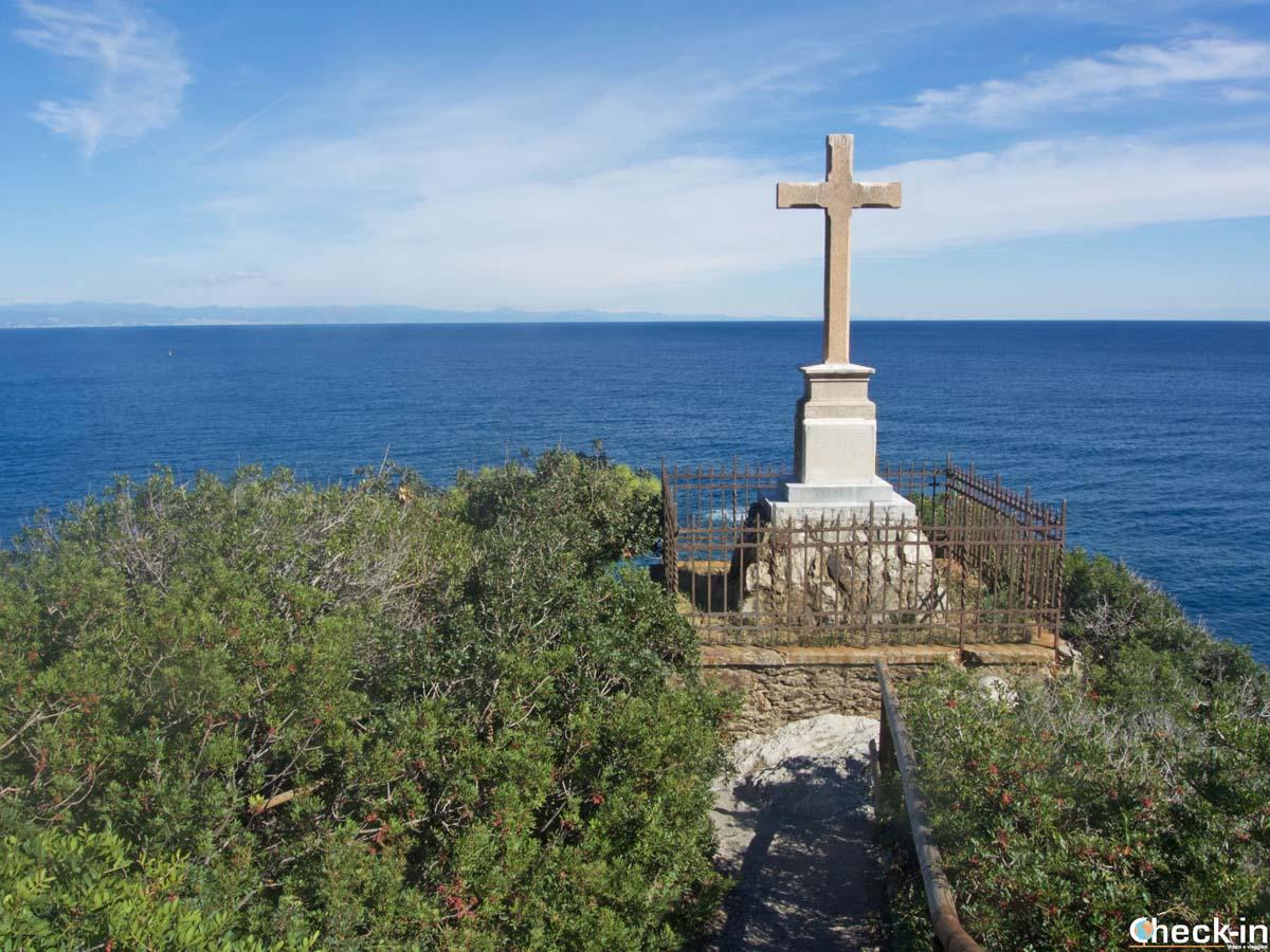 La Croce di Punta Predani dedicata ai naufraghi del Transylvania