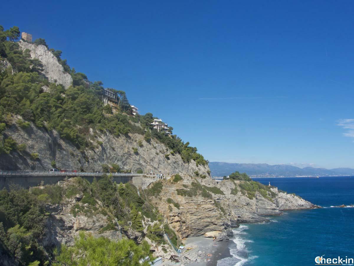 Spiaggia del Lido delle Sirene a Bergeggi (Liguria)