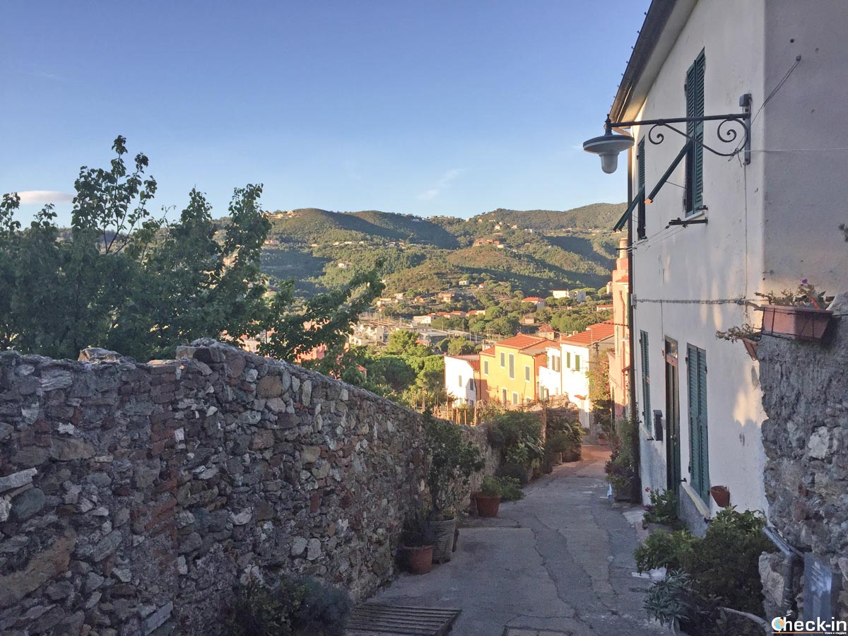 Case nei pressi del Castello di Spotorno - Provincia di Savona, Liguria