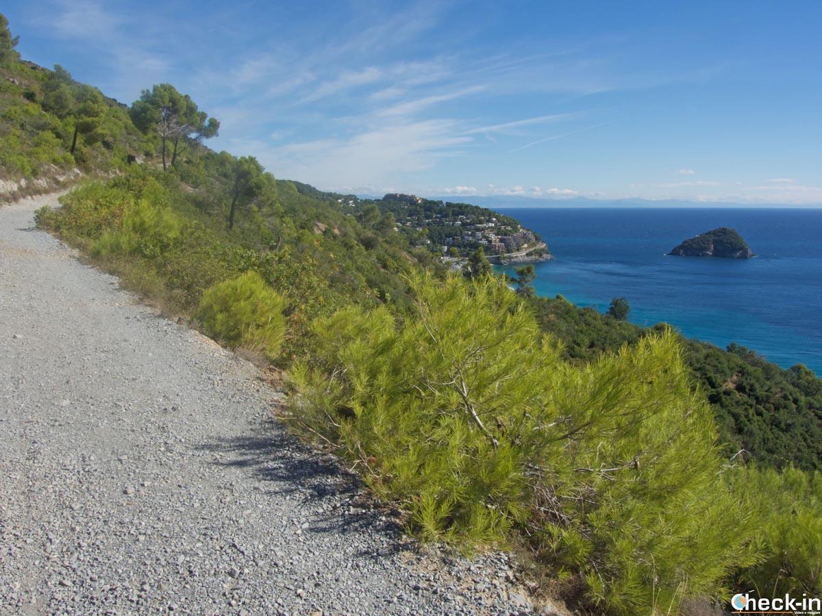 Escursione sull'Antica Via Romana tra Spotorno e Bergeggi