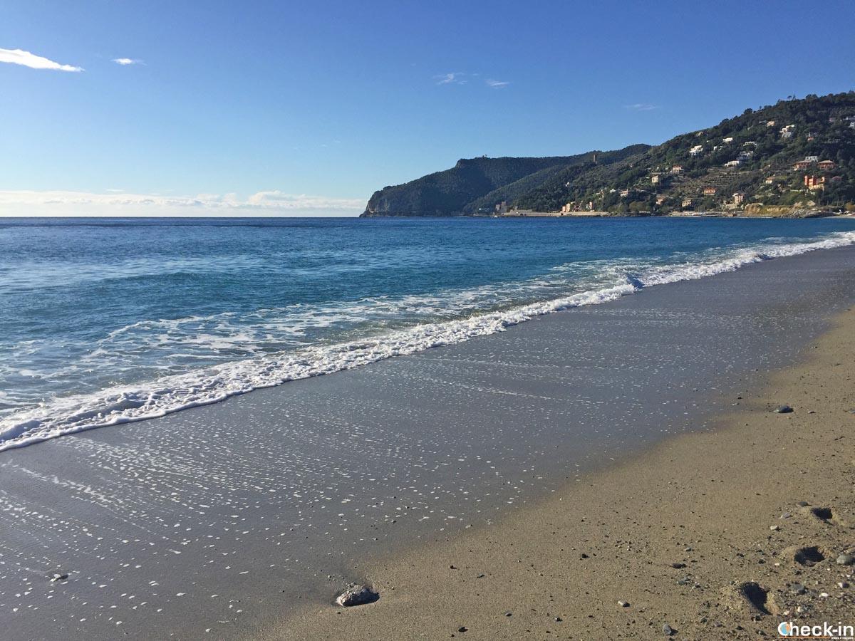 Spiaggia di Spotorno - Riviera delle palme, Liguria