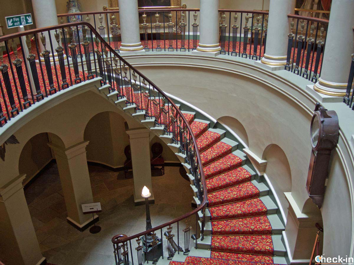 The Oval Staircase designed by Robert Adam - Culzean Castle, haunted places in Scotland