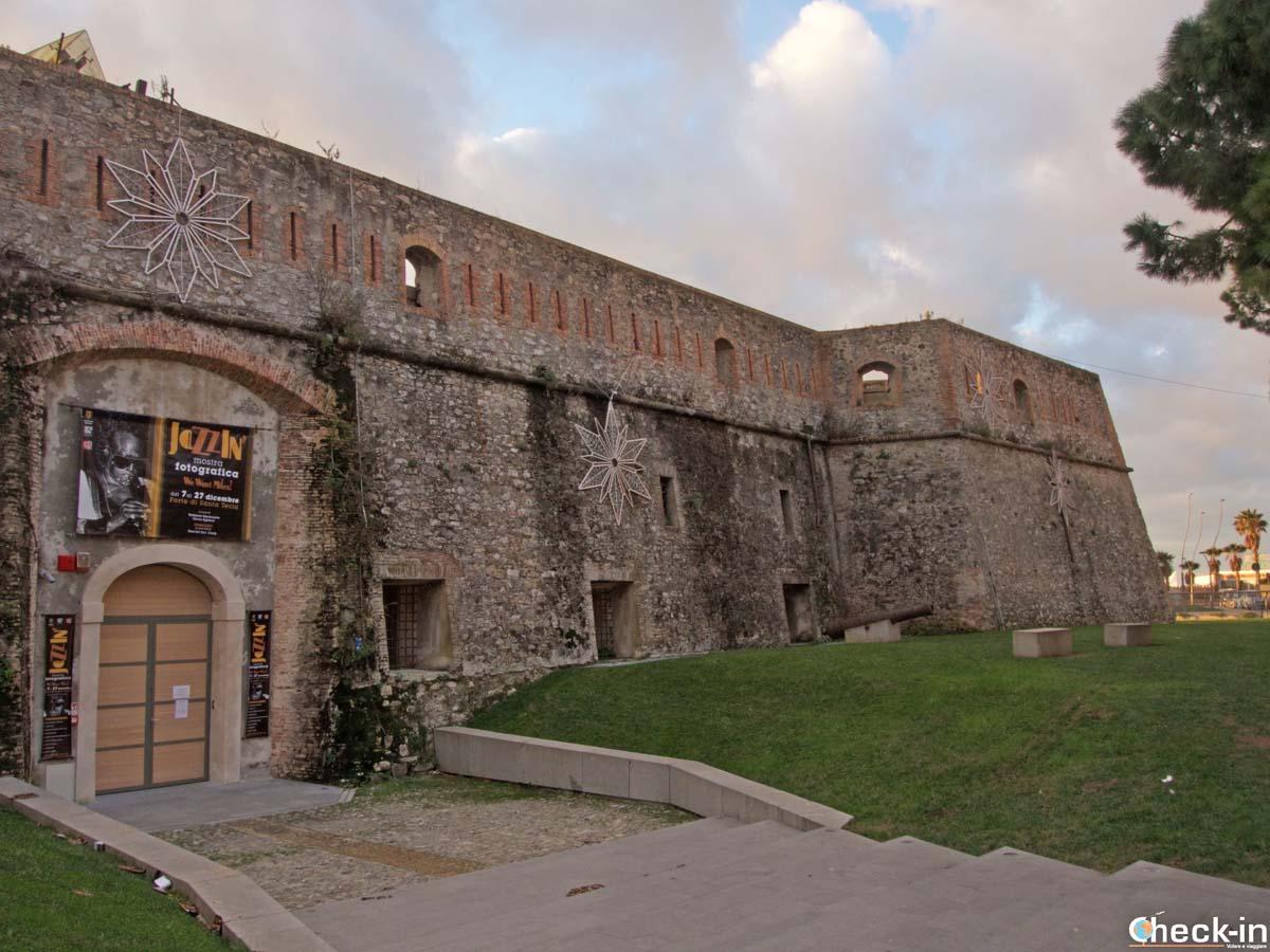 Il Forte di Santa Tecla sul lungomare sanremese - Riviera ligure di ponente
