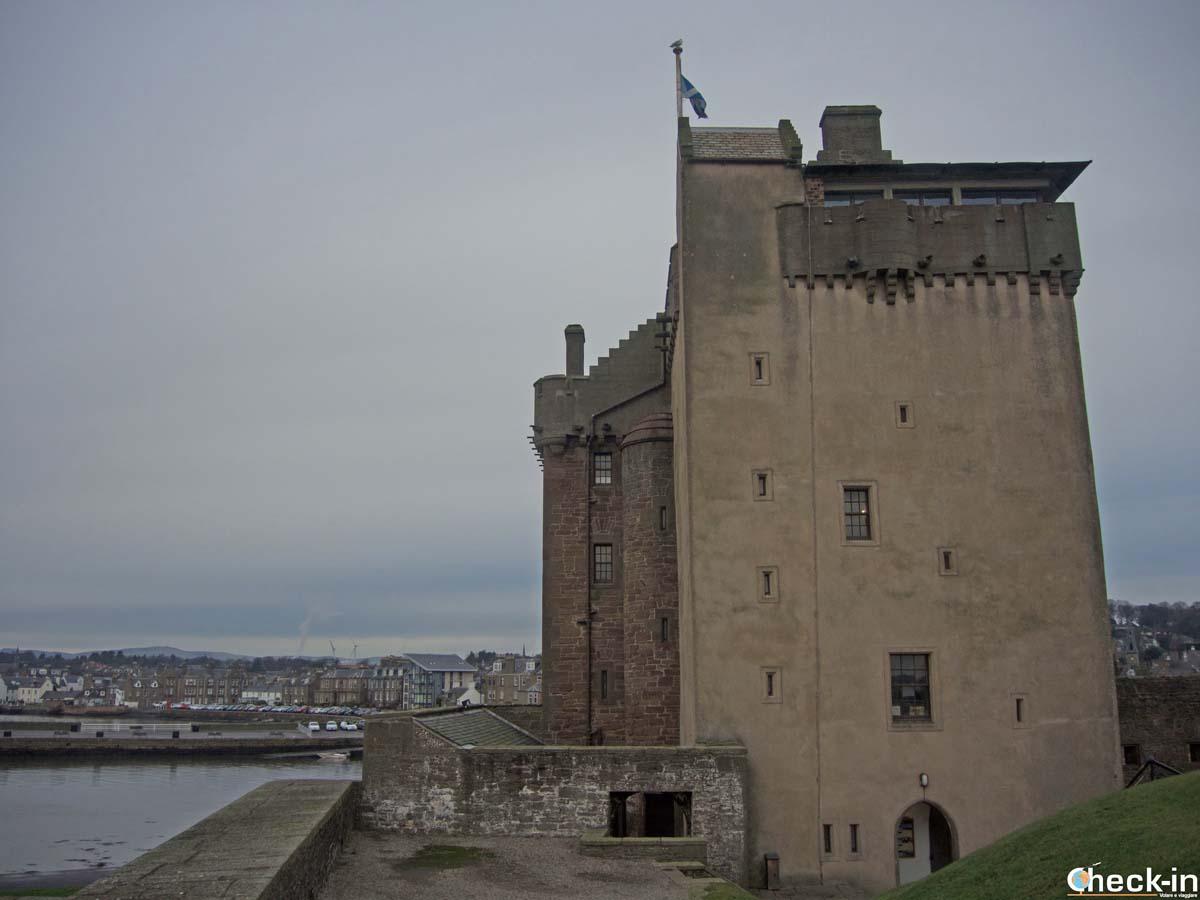 Scorcio del castello di Broughty Ferry - Dundee, Scozia
