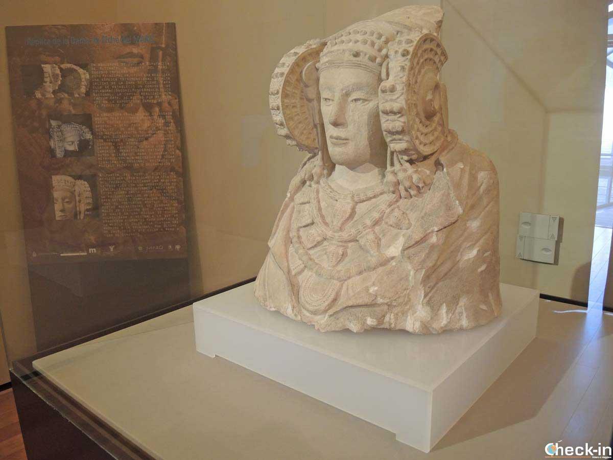 Copia de la Dama de Elx - Museo Arqueológico