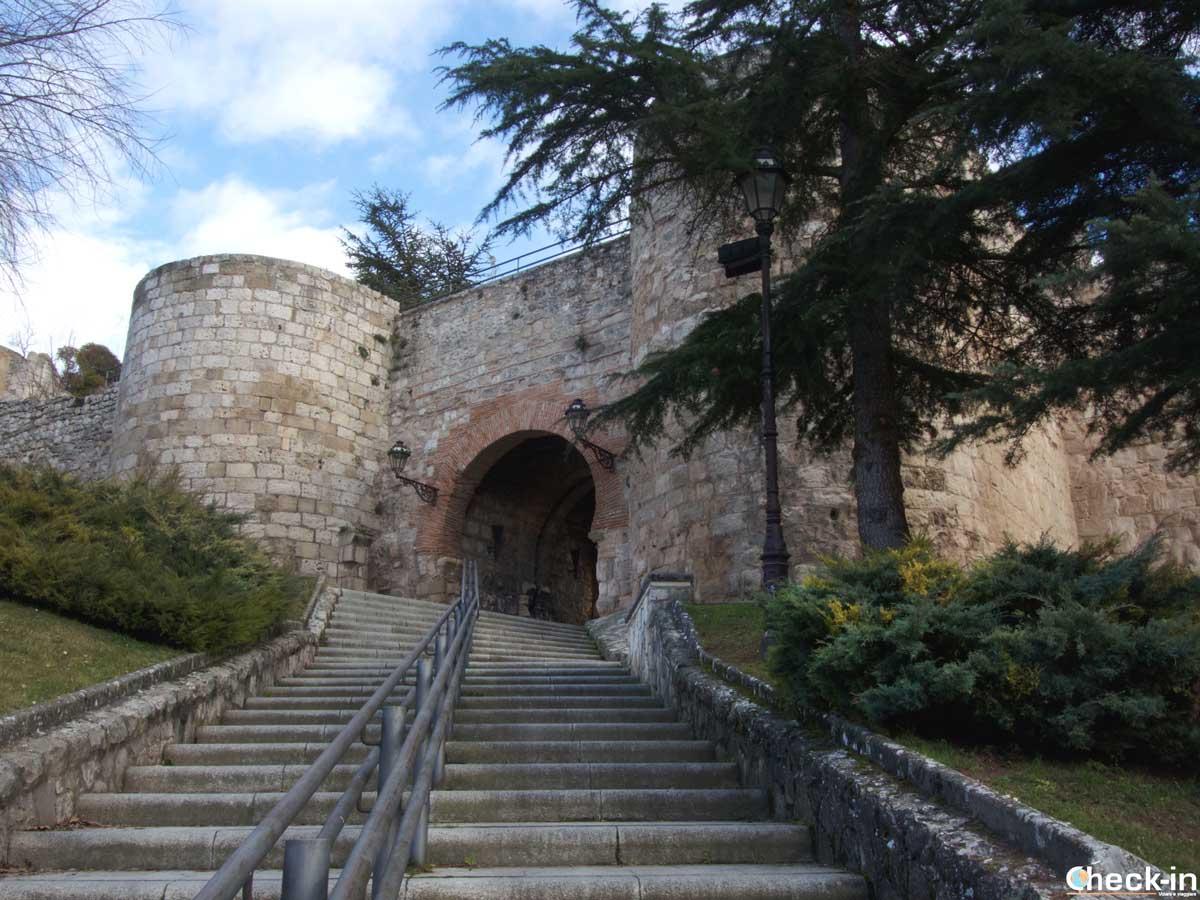 L'arco di San Martín e le mura antiche di Burgos