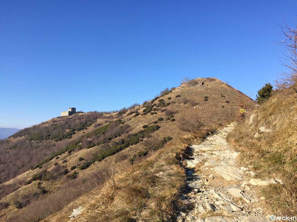 In cammino verso Forte Puin - Parco delle Mura e dei Forti di Genova