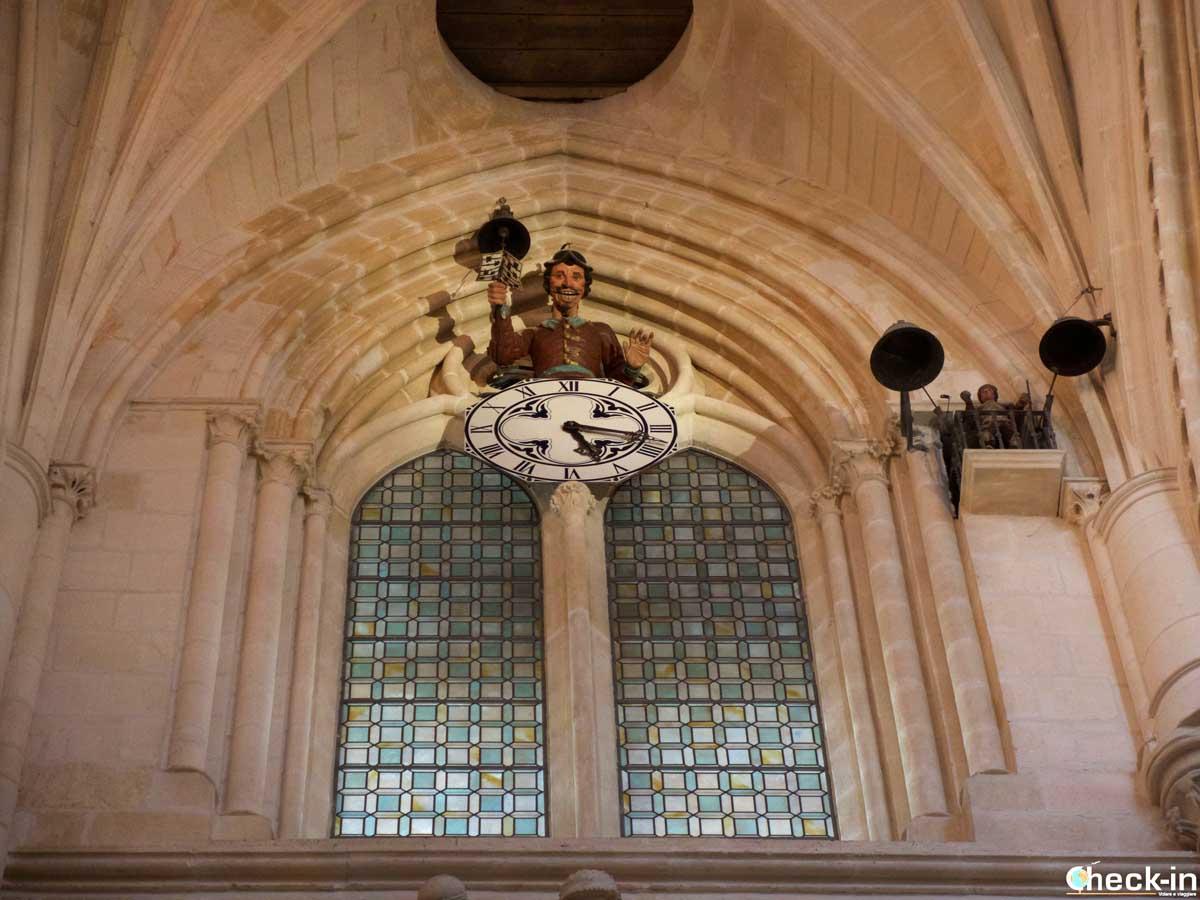 """Cosa vedere nella Cattedrale di Burgos: il """"Papamoscas"""""""