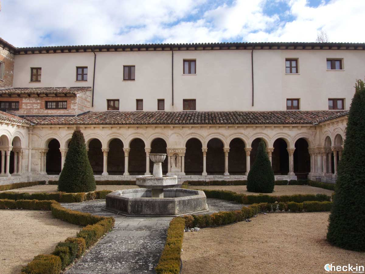 Il Chiostro dell'Abbazia di Las Huelgas di Burgos (Spagna del nord)