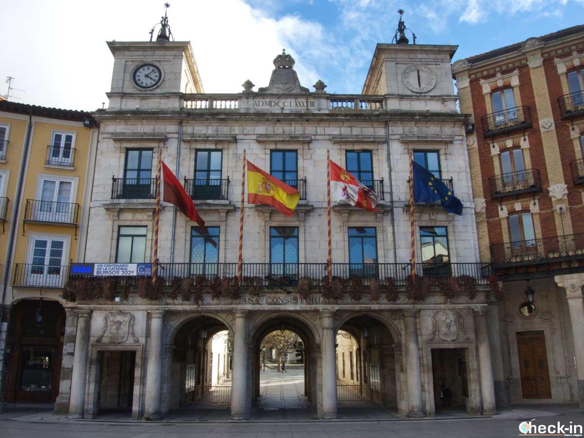 Il Comune di Burgos che si affaccia sulla Plaza Mayor