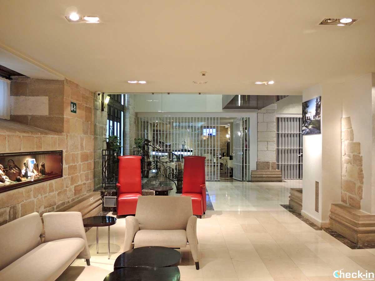 Reception dell'Hotel Rice Palacio de Blasones di Burgos