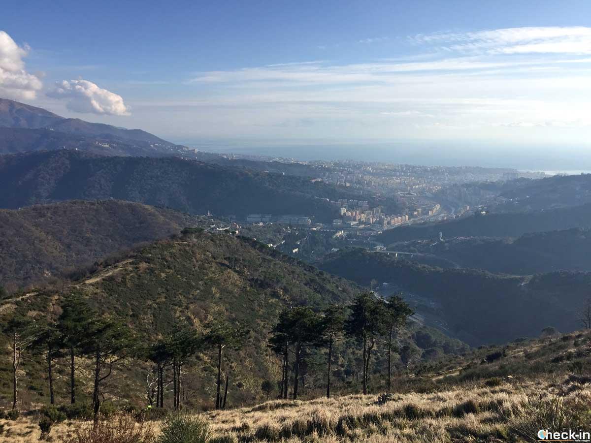 Genova vista dal Parco delle Mura e dei Forti