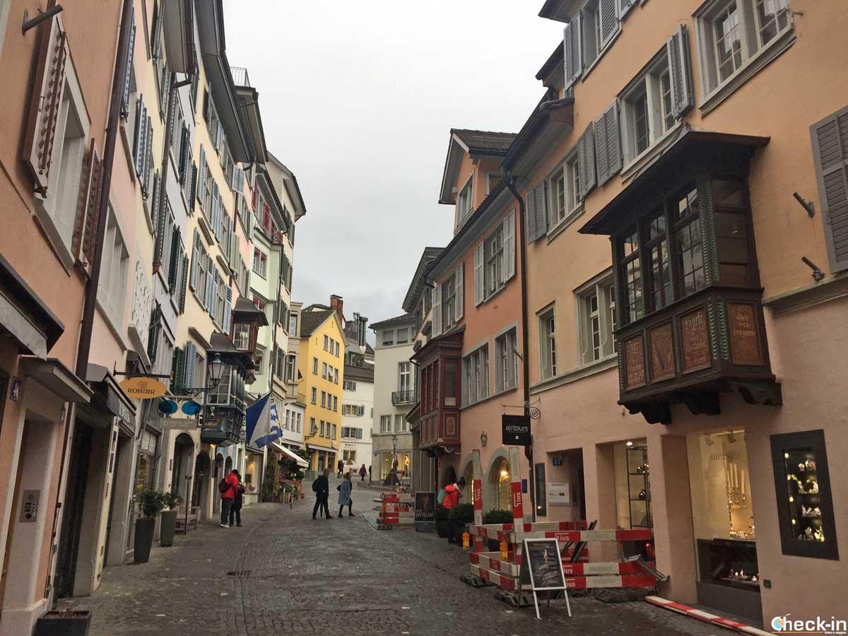 Itinerario nel centro storico di Zurigo: la Augustinergasse