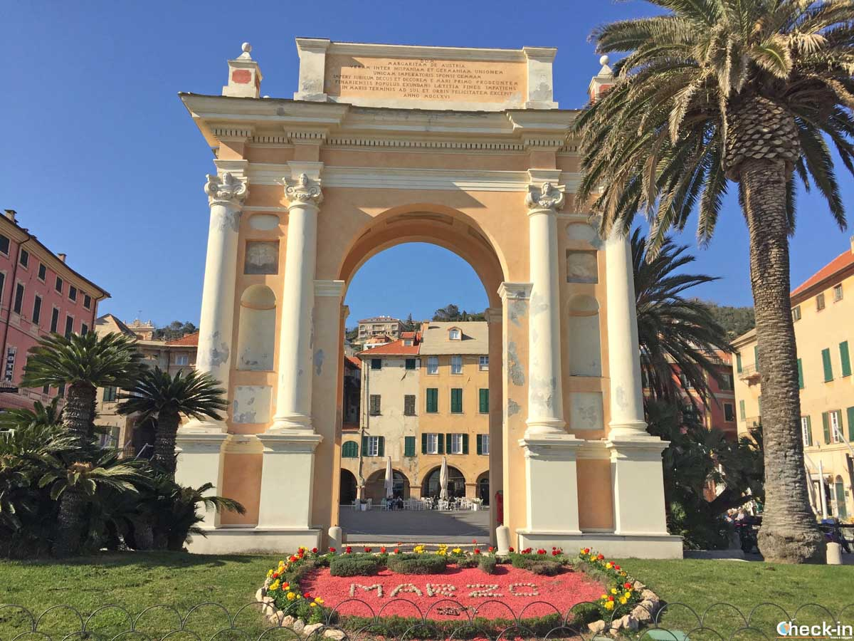 L'Arco di Trionfo dedicato a Margherita di Spagna a Finale Ligure