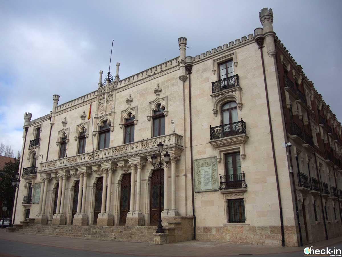Qué ver el centro de Burgos: el Palacio de Capitanía