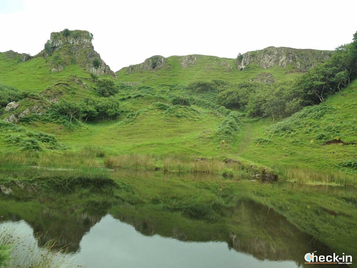 Visita della Fairy Glen a Skye (Scozia)