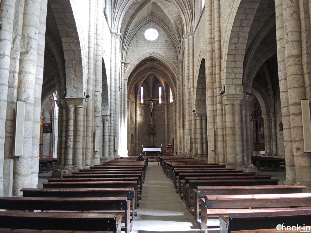 Visita del interior de la Iglesia de San Miguel - Palencia, España