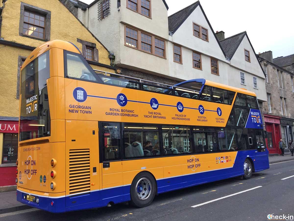 I 3 bus turistici per esplorare Edimburgo: info ed acquisto dei biglietti online