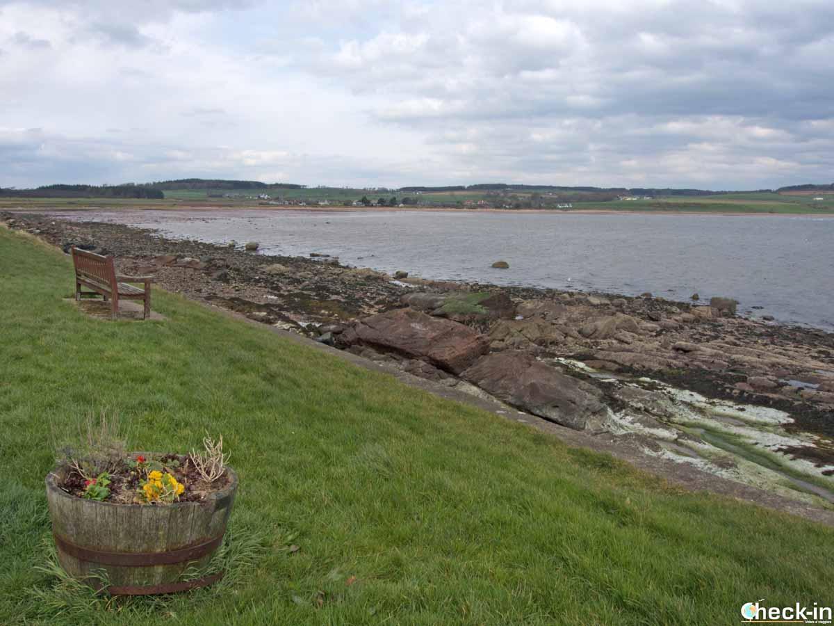 Scorcio della baia di Kilchattan sull'isola di Bute (Scozia, Regno Unito)