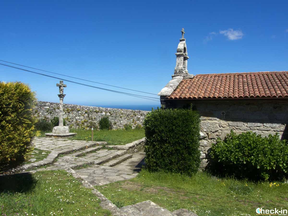 La Capilla de Santa Tegra sul monte che domina A Guarda