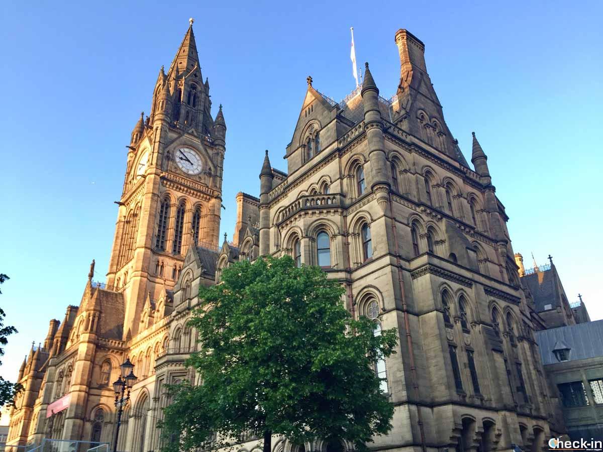 Il Municipio nel centro storico di Manchester
