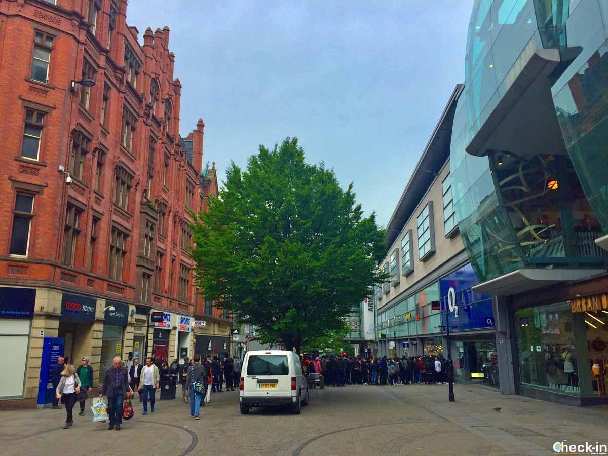 Market Street, la via degli acquisti di Manchester