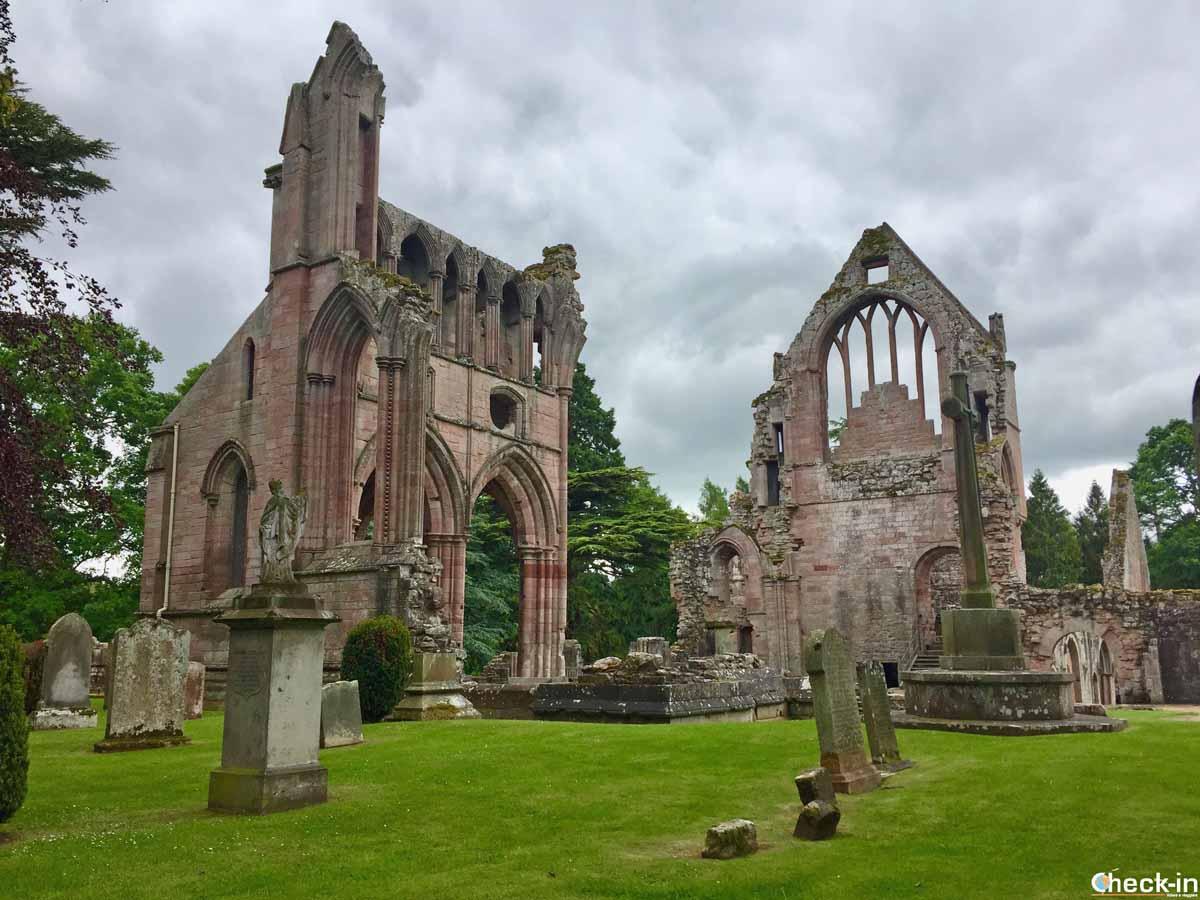 Visita di Dryburgh Abbey (Scozia)